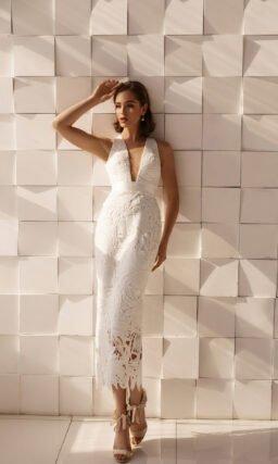 Короткое платье с высокой талией