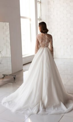Закрытое свадебное платье