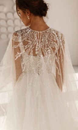 Свадебное платье с расклешенной юбкой