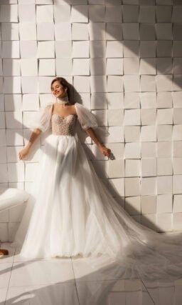 Свадебное платье со съемным широким рукавом