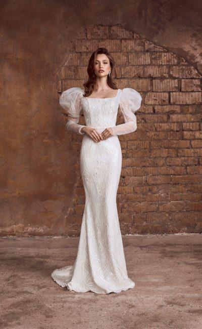 Свадебное платье силуэта русалка с облегающей атласной юбкой