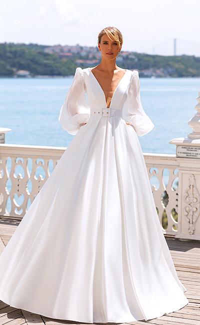 Платье с широким рукавом и карманами