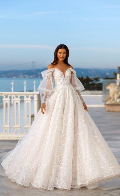 Свадебное платье с объемным рукавом