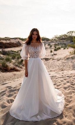 Свадебное платье с воздушным широким рукавом