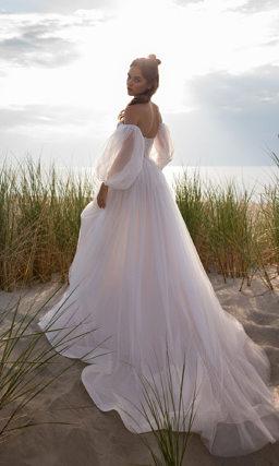 Свадебное платье пышным воздушным рукавом