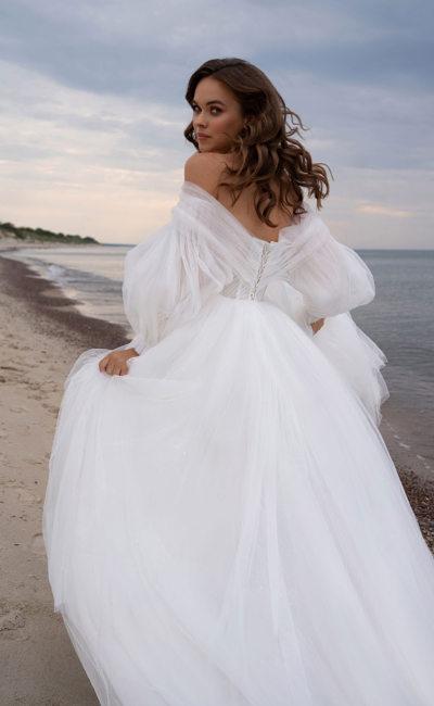 Пышное платье с пышным рукавом